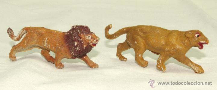 LEÓN Y LEONA EN PLÁSTICO CAPELL (Juguetes - Figuras de Goma y Pvc - Capell)
