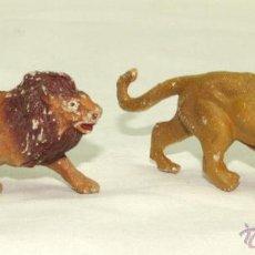 Figuras de Goma y PVC: LEÓN Y LEONA EN PLÁSTICO CAPELL. Lote 47158614