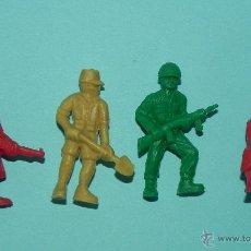 Figuras de Borracha e PVC: ** 4 FIGURAS DUNKIN SOLDADOS **. Lote 46617791