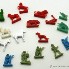 Figuras de Goma y PVC: 17 FIGURAS MONTAPLEX MONTA PLEX PLÁSTICO AÑOS 60 ANIMALES SOLDADOS VAQUEROS. Lote 46646437