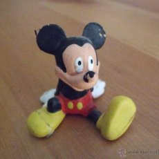 Figuras de Goma y PVC: FIGURA O MUÑECO DE MICKEY - GOMA O PVC - BULLYLAND DISNEY - MADE IN GERMANY - SENTADO. Lote 46715792