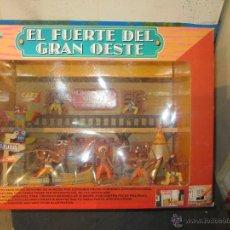 Figuras de Goma y PVC: CAJA DE INDIOS VAQUEROS CON CASA 1/32 COMPATIBLE CON JECSAN REAMSA. Lote 72880498