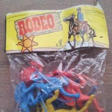Figuras de Goma y PVC: BOLSA DE INDIOS Y COWBOYS DE PLASTICO RODEO AÑOS 70/80 SIN ABRIR. Lote 47132120