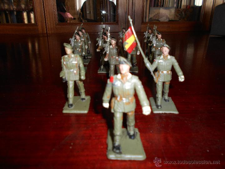 Figuras de Goma y PVC: 13 figuras de Paracaidistas. Plastico Pintado Gomarsa, Reamsa ,Soldis 1960-70s - Foto 2 - 51112572