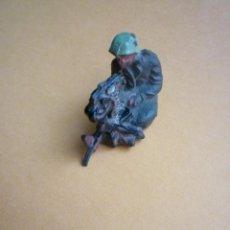 Figuras de Goma y PVC: SOLDADO EN GOMA LAFREDO 54MM. Lote 47305981