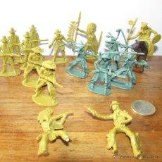 Figuras de Goma y PVC: VAQUEROS - INDIOS - LOTE. Lote 111314694