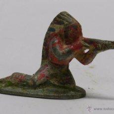 Figuras de Goma y PVC: INDIO DE ALUMINIO POSIBLEMENTE QUIRALU, TAL COMO SE VE EN LAS FOTOGRAFIAS PUESTAS.. Lote 48569647