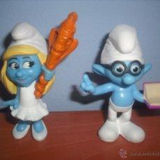 Figuras de Goma y PVC: PITUFINA Y PITUFO SABIO EN PVC - SMURF - MCDONALDS - EN PERFECTO ESTADO - SMURFS. Lote 48692499