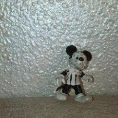 Figuras de Goma y PVC: MUÑECO FIGURA PVC MICKEY MOUSE BLANCO Y NEGRO. Lote 48159510