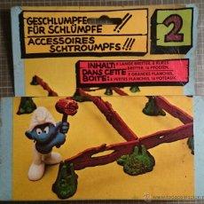 Figuras de Goma y PVC: PITUFOS ACCESORIO VALLAS SCHLEICH 1979. Lote 48738100