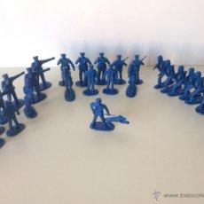 Figuras de Goma y PVC: 25 POLICIAS. Lote 48835272