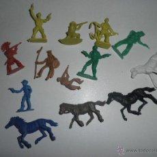 Figuras de Goma y PVC: LOTE DE CABALLOS ,VAQUEROS Y INDIOS DE PLASTICO , AÑOS 60,COMANSI Y OTRAS MARCAS.. Lote 49054661