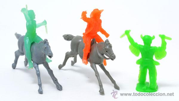 Figuras de Goma y PVC: Lote de 2 indios y 1 cowboy de GOMARSA, antigua REAMSA, CIRCA 1980 - Foto 2 - 49058587