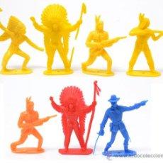 Figuras de Goma y PVC: LOTE DE 6 INDIOS Y UN OFICIAL FEDERAL DE COMANSI O NOVOLINEA, CIRCA 1970. Lote 49059730