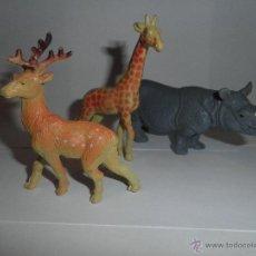 Figuras de Goma y PVC: LOTE DE 3 FIGURAS DE ANIMALES DE GOMA , CIERVO , JIRAFA Y RINOCERONTE. Lote 49330096