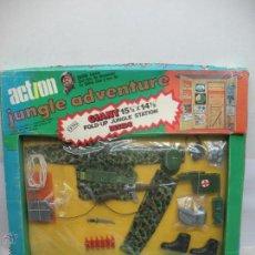 Figuras de Goma y PVC: ACTION - ACTION JUNGLE ADVENTURE SET CON TRAJE Y COMPLEMENTOS MILITAR PARA MUÑECO. Lote 49392996