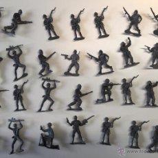Figuras de Goma y PVC: LOTE 28 FIGURAS ANTIGUAS SOLDADOS. Lote 49451330
