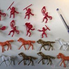 Figuras de Goma y PVC: LOTE 8 VAQUEROS E INDIOS CON CABALLOS. Lote 49451354