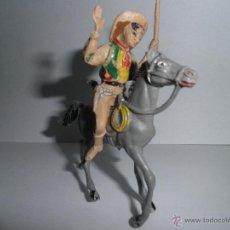 Figuras de Goma y PVC: ANTIGUO VAQUERO A CABALLO,HERIDO DE FLECHA, AÑOS 60, COMANSI.. Lote 49482277