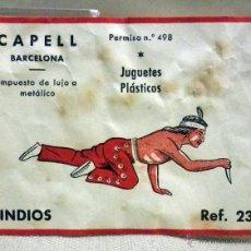 Figuras de Goma y PVC: CROMO O ETIQUETA DE CAJA FIGURAS DE GOMA, JUGUETES PLASTICOS, CAPELL, INDIOS, REFERENCIA 23. Lote 49486582