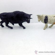 Figuras de Goma y PVC: 630 LOTE TORO Y VACA DE GOMA BULL BULLFIGHTING JECSAN PECH TAUROMAQUIA SOTORRES REAMSA. Lote 49554540