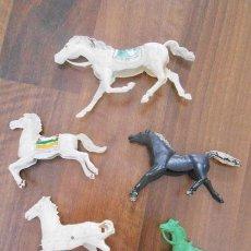 Figuras de Goma y PVC: 638 LOTE VARIOS CABALLOS AÑOS 60 70. Lote 49555356