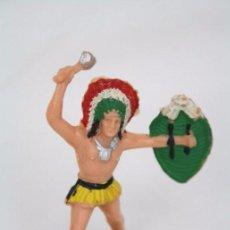 Figuras de Goma y PVC: FIGURA DE INDIO CON ESCUDO Y MARTILLO - REAMSA, INDIOS Y VAQUEROS - AÑOS 50-60 - PLÁSTICO / PVC. Lote 49635177
