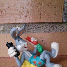 Figuras de Goma y PVC: BULLYLAND LOONEY TUNES BUGS BUNNY FIGURA WARNER BROS. Lote 49863212