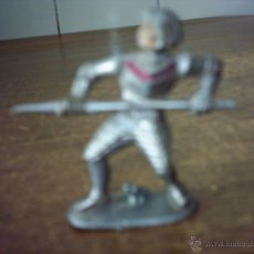 Figuras de Goma y PVC: SOLDADO MEDIEVAL ANTIGUO PLASTICO PONE GERMANIA. Lote 49937922
