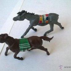 Figuras de Goma y PVC: DOS CABALLOS INDIOS - GAMA. Lote 49986225