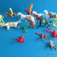 Figuras de Goma y PVC: LOTE DE INDIOS Y VAQUEROS - COMANSI - REAMSA Y PAPO. Lote 50721490