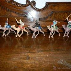 Figuras de Goma y PVC: LAWRENCE DE ARABIA, 5 FIGURAS CON CAMELLO, REAMSA, TAL COMO SE VE EN LAS MULTIPLES FOTOGRAFIAS PUES. Lote 50882591