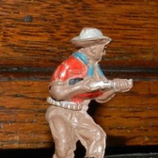 Figuras de Goma y PVC: VAQUERO EN GOMA DE PECH, TAL COMO SE VE EN LAS FOTOGRAFIAS PUESTAS, 4,5 CMS.. Lote 50883828