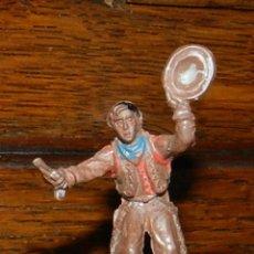 Figuras de Goma y PVC: VAQUERO EN GOMA DE PECH, TAL COMO SE VE EN LAS FOTOGRAFIAS PUESTAS, 4,5 CMS.. Lote 50883963