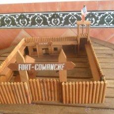 Figuras de Goma y PVC: FUERTE FORT COMANCHE EN MADERA CREO QUE FABRICADO POR PECH 42 X 42 CM BUENA CONSERVACION AÑOS 60. Lote 70088917