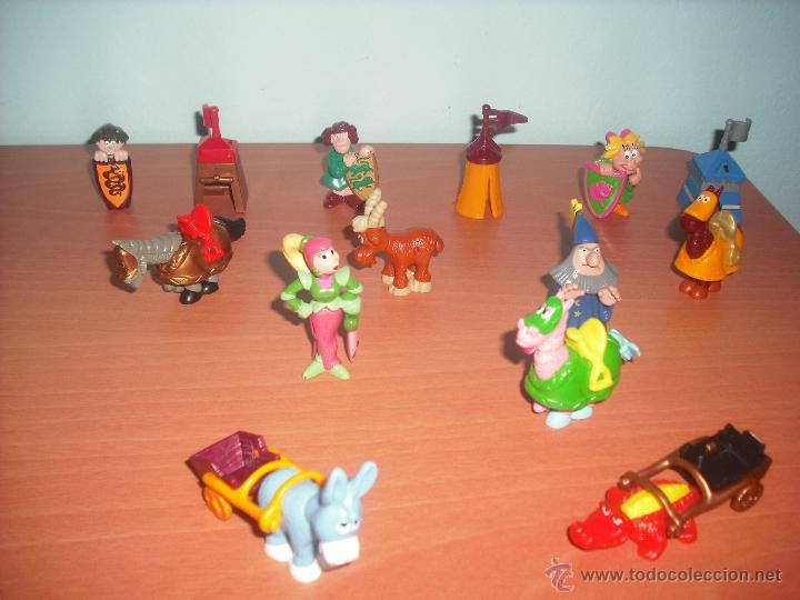 SERIE CASTILLO DIVERTIDO - SALIAN EN HUEVOS KINDER - LOTE DE 14 FIGURAS O MUÑECOS (Juguetes - Figuras de Gomas y Pvc - Kinder)