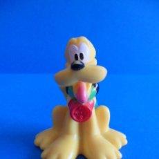 Figuras de Goma y PVC: FIGURA DE PLUTO CAMPISTA - PERRO DE MICKEY - MATTEL INC 2009 - DISNEY. Lote 51018678