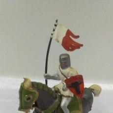 Figuras de Goma y PVC: GUERRERO MEDIEVAL A CABALLO .STARLUX . AÑOS 60. Lote 51049163