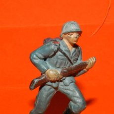 Figuras de Goma y PVC: SOLDADO ALEMAN EN GOMA DE PECH, TAL COMO SE VE EN LAS FOTOS PUESTAS.. Lote 51142218