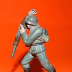 Figuras de Goma y PVC: SOLDADO ALEMAN EN GOMA DE PECH, TAL COMO SE VE EN LAS FOTOS PUESTAS.. Lote 51142396