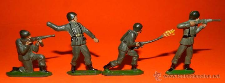 4 SOLDADOS TEIXIDO DE GOMA, TAL COMO SE VE EN LAS FOTOGRAFIAS PUESTAS. (Juguetes - Figuras de Goma y Pvc - Teixido)