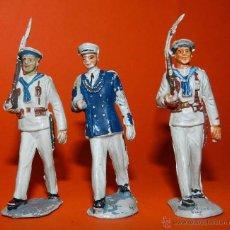 Figuras de Goma y PVC: 3 MARINOS DESFILANDO DE PECH DE GOMA DESFILANDO, TAL COMO SE VE EN LAS FOTOGRAFIAS PUESTAS.. Lote 51172633