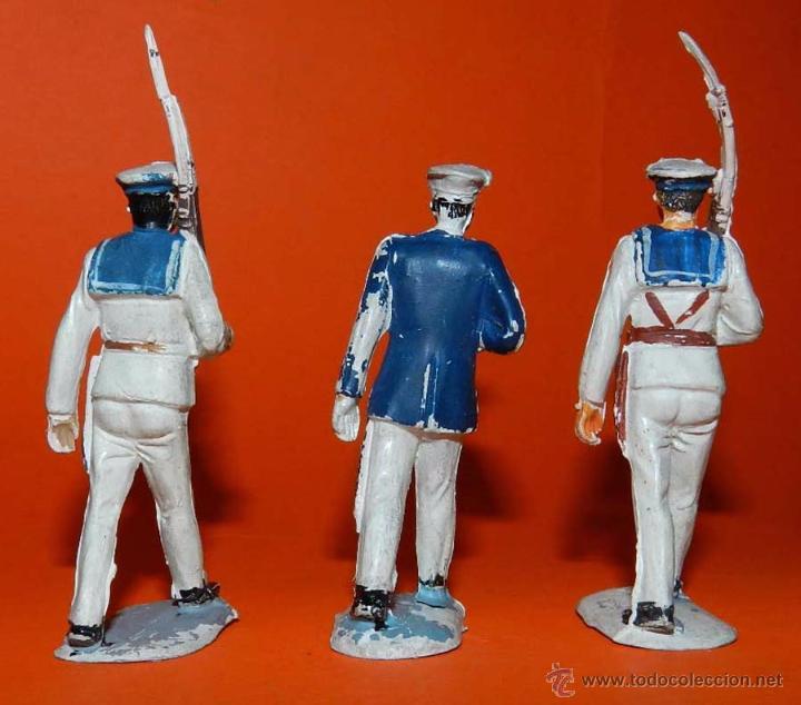 Figuras de Goma y PVC: 3 MARINOS DESFILANDO DE PECH DE GOMA DESFILANDO, TAL COMO SE VE EN LAS FOTOGRAFIAS PUESTAS. - Foto 2 - 51172633
