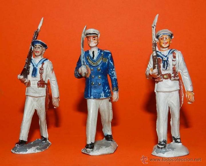 3 SOLDADOS DEL CUERPO DE MARINA DEL DESFILE DE PECH, REALIZADOS EN GOMA, TAL Y COMO SE VEN EN LAS FO (Juguetes - Figuras de Goma y Pvc - Pech)