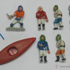 Figuras de Goma y PVC: 7 FIGURAS Y CANOA DE LA SERIE ESQUIMALES DE SOTORRES, REALIZADOS EN PLÁSTICO. TAL Y COMO SE VE EN LA. Lote 51536513