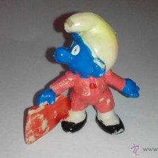 Figuras de Goma y PVC: PITUFO TORERO CON CAPOTE -BULLFIGHTER. Lote 51588100