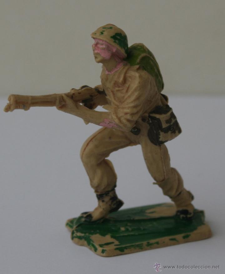 Figuras de Goma y PVC: SOLDADOS AMERICANOS EN COMBATE HERMANOS PECH HNOS GOMA 60 MM 1960 - Foto 2 - 51631706