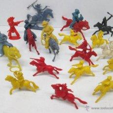 Figuras de Goma y PVC: LOTE PEQUEÑAS FIGURAS PLÁSTICO INDIOS,VAQUEROS Y CABALLOS. Lote 51374098