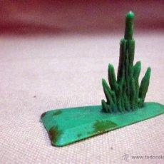 Figuras de Goma y PVC: COMPLEMENTO, FIGURA DE PLASTICO, BASE O PEANA, PARA CABALLO, CON PLANTA, FABRICADO POR JECSAN. Lote 52338424