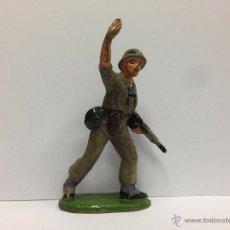 Figuras de Goma y PVC: FIGURA FABRICADO EN GOMA POR JECSAN MIDE 6 MM SOLDADO MARINE AMERICANO . Lote 52362132